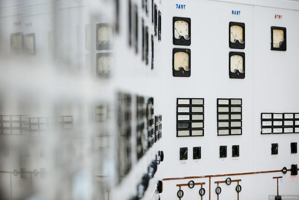 20. Панель управления ТГ-9 в турбинном цехе. Сюда выводятся все параметры работы турбоагрегата.