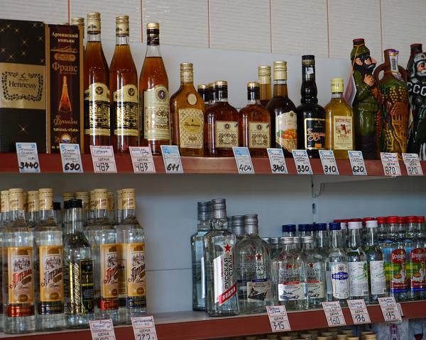 ВЧечне закрылись все магазины, торгующие спиртом