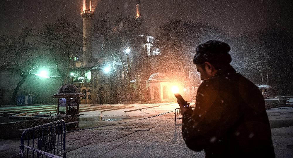 Сотни рейсов изСтамбула отменены, кроме кишиневского