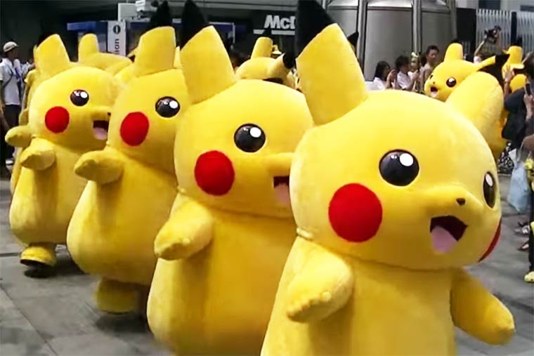 Pikachu Outbreak 2015 – An army of Pikachu is invading Yokohama again (7 pics)