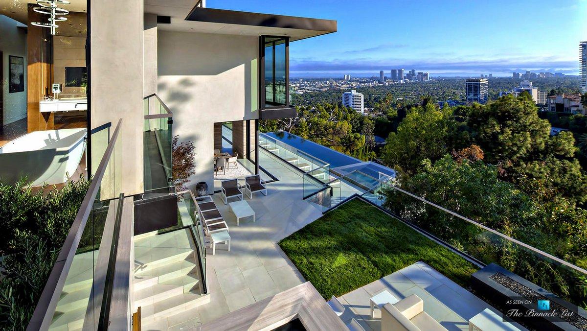 Особняк с видом на Лос-Анджелес