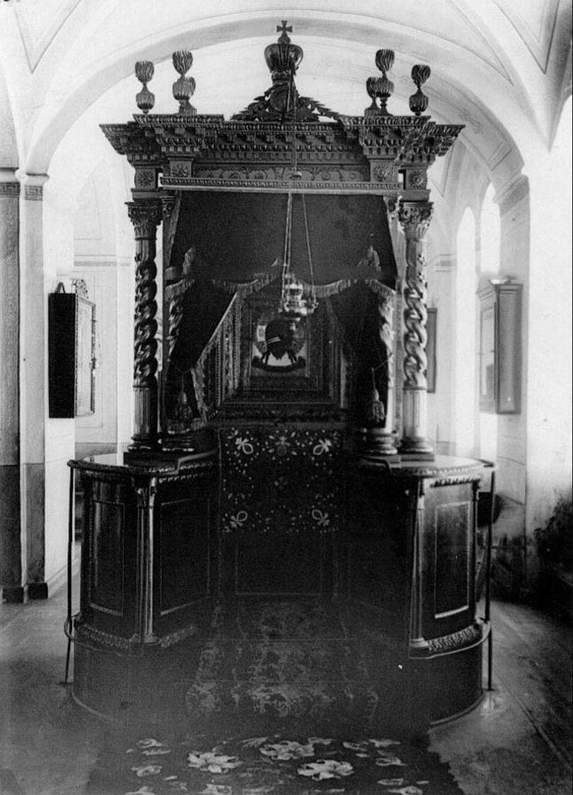 67. Вид иконы Спас Нерукотворный в монастырском храме