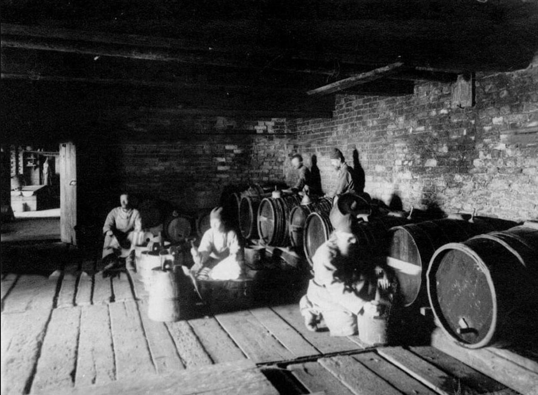 75. Вид монастырского винного погреба