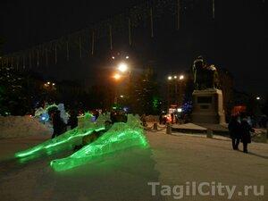 город,Нижний Тагил,Новый год,елка,театральная площадь,праздник