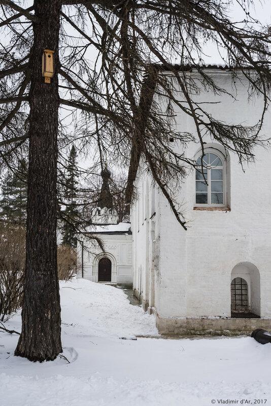 Церковь Богоявления Господня в трапезном корпусе. Иосифо-Волоцкий монастырь.