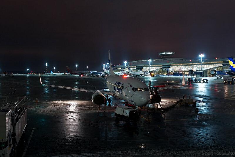 Boeing 737-524 (VQ-BPR) ЮТэйр D707530