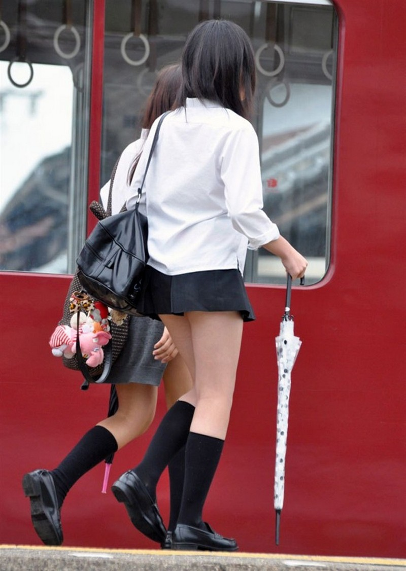 Длинна юбок у японских школьниц