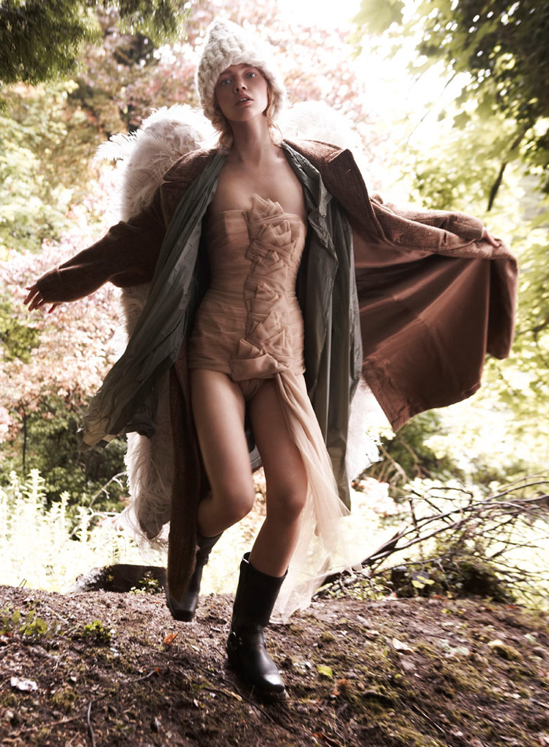 Саша Пивоварова - Марио Тестино / Sasha Pivovarova by Mario Testino Vogue UK December 2007
