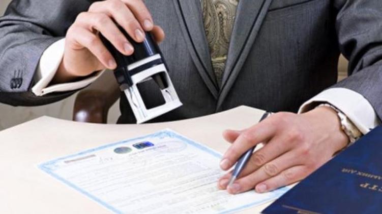 Руководство недопустит перевода украинцев нанеполные ставки,— Розенко