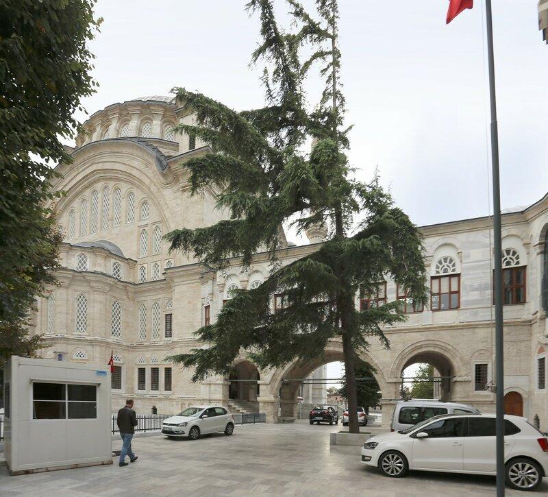 Стамбул. Мечеть Нуросмание (Nuruosmaniye Camii)
