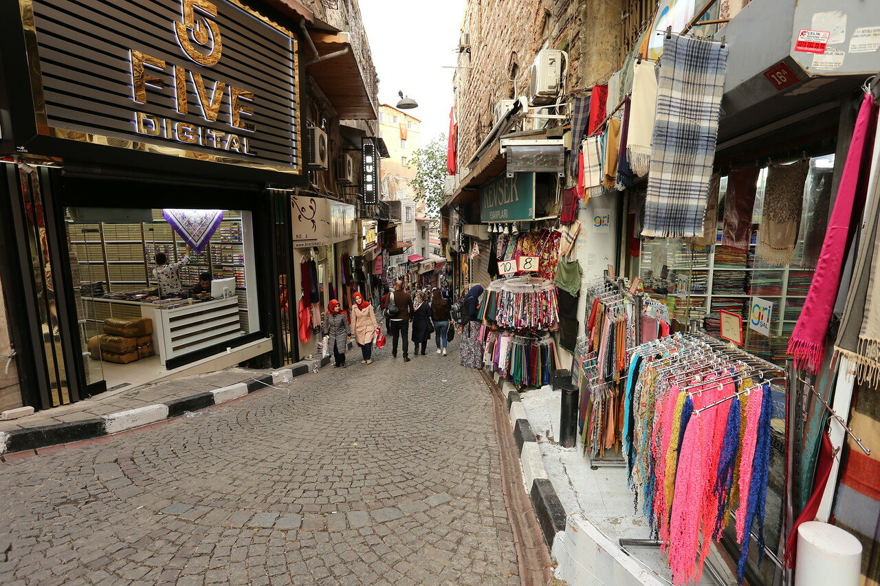 Istanbul. Shopping streets of Fatih