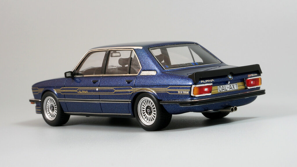 BMW_Alpina_B7_E12_05.jpg
