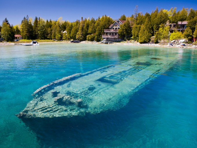 Самые интересные подводные достопримечательности мира (12 фото)