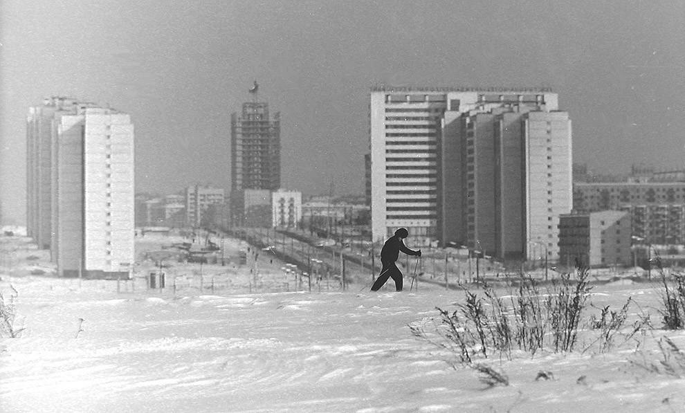 13. Москва, Юго-Запад, церковь Михаила Архангела, дер. Тропарёво, примерно 1972 г.