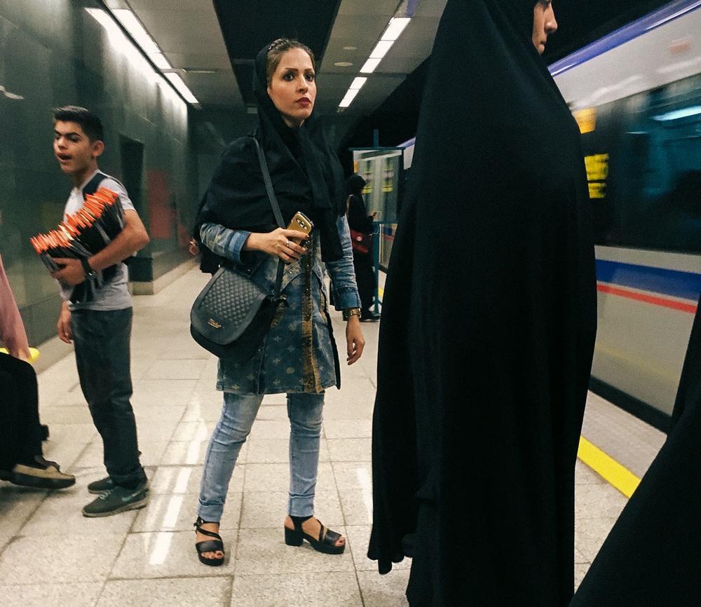 Тегеран. «Взять хотя бы то, как должны одеваться женщины. Конечно, во всем мире женское тело — предм