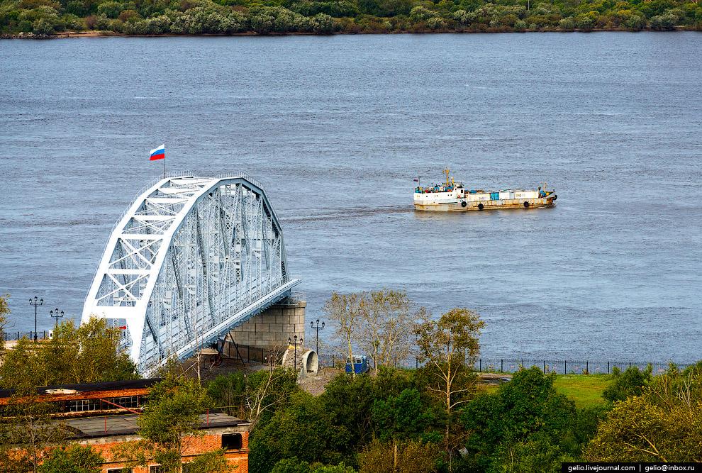 27. На момент строительства железнодорожный мост через Амур был самым длинным в Старом Свете. Сегодн