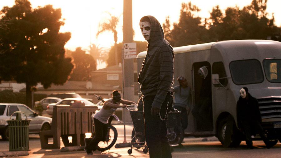 «Судная ночь 2: Анархия» – превосходный сиквел. Концепция режиссёра Джеймса ДеМонако фантастична. Од