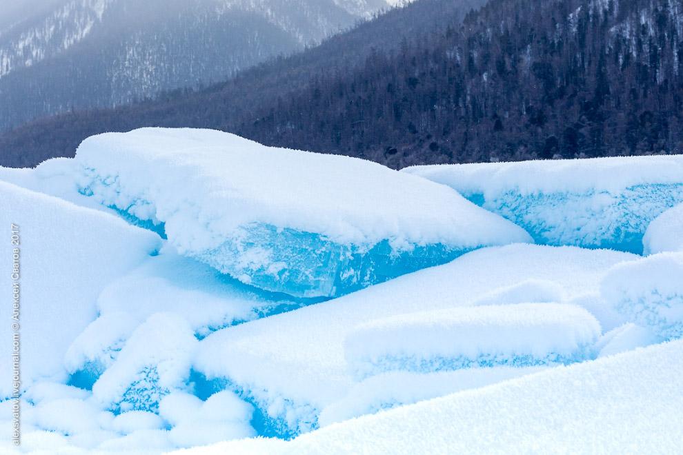 11. Далее к югу опять выглянуло солнышко. Цвет льда чуть изменился, появились новые торосы.