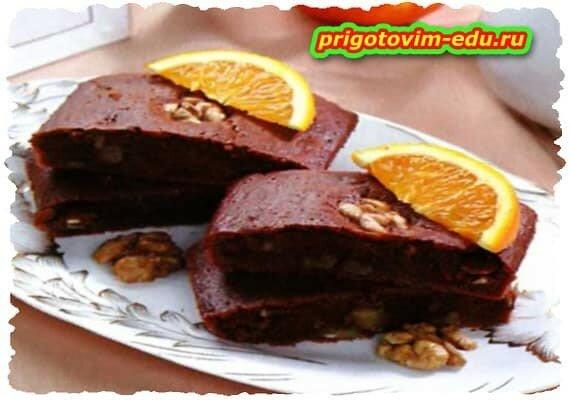 Апельсиновый брауни с орехами