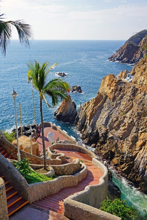 These cliffs can be found in Acapulco, Mexico so you'll have lots of other things to keep you en