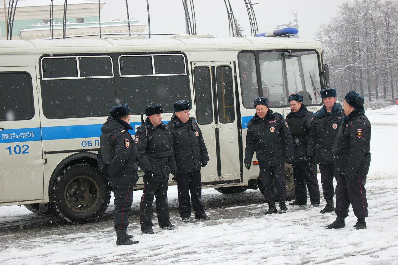 Задержания на антикризисном сходе в Москве