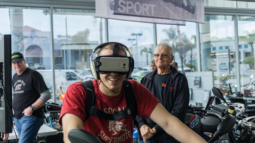 Виртуальная реальность от BMW (видео)