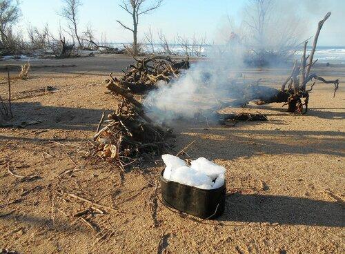 Костёр возгорался, ждали котелки ... DSCN0981.JPG