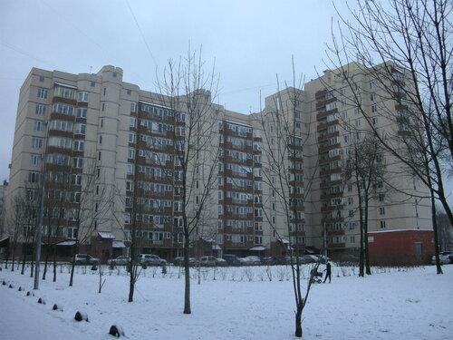 ул. Антонова-Овсеенко 18