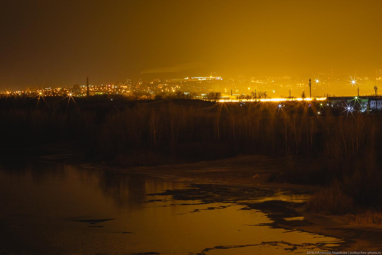 Кировский мост ночью