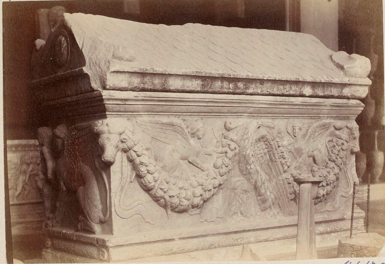 106. Саркофаг