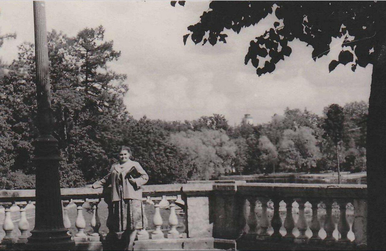 1955. На террасе Собственного сада