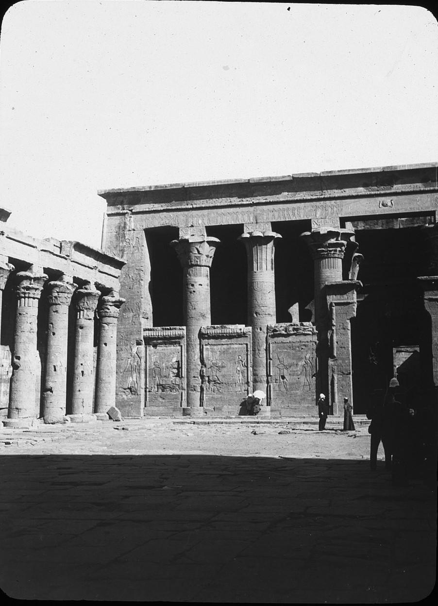 Эдфу. Двор храма Хора