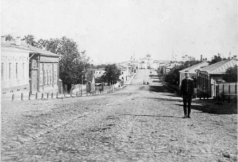 Дворянская улица. Вид с запада, со Студеной горы, на Золотые ворота. Конец 1870-х. - нач. 1880-х гг.