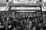 """Открытие ресторана """"Макдональдс"""" в Москве, 1990 год"""