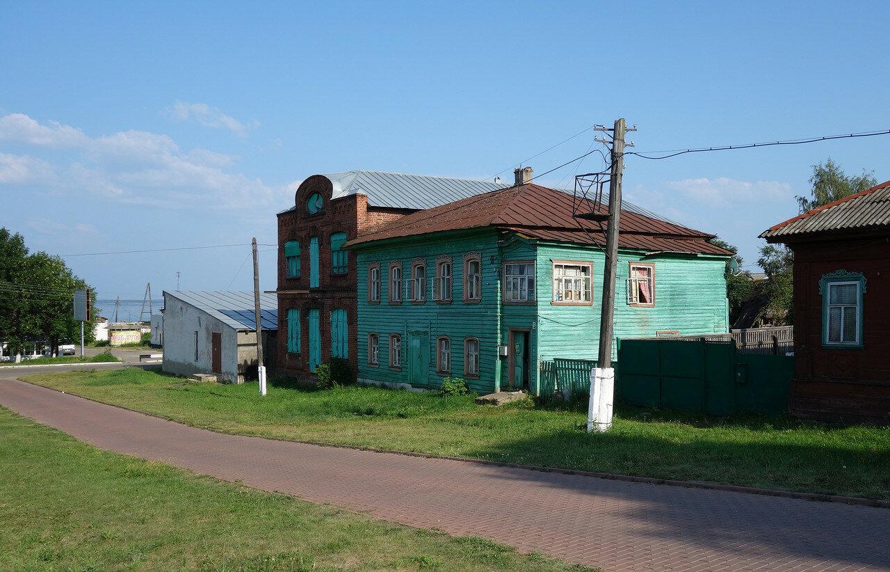 старые здания полужилые