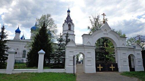 Церковь Казанской иконы Божией Матери. Врата