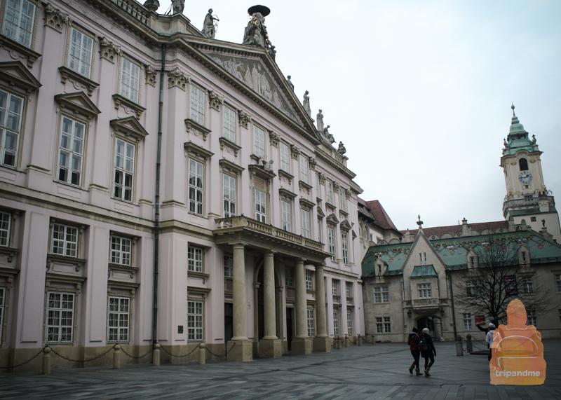 Архиепископский дворец (Братислава)