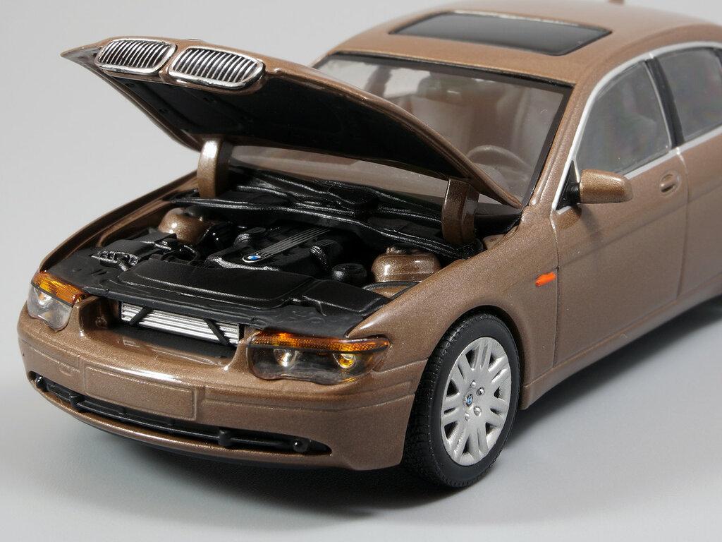 BMW_7er_E65_09.jpg
