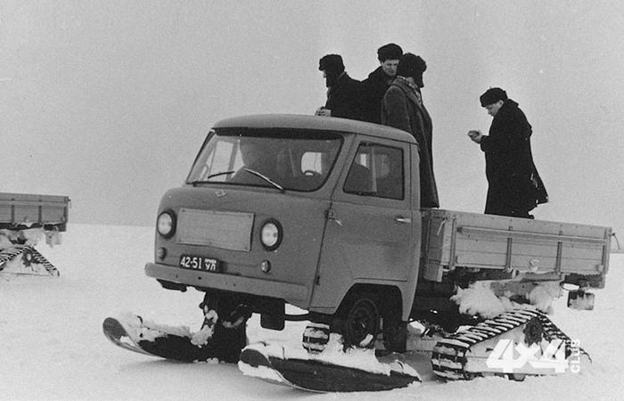 Снегоход УАЗ-451С. Фотография с испытания новейшего (на тот момент) снегохода известного, как УАЗ-45