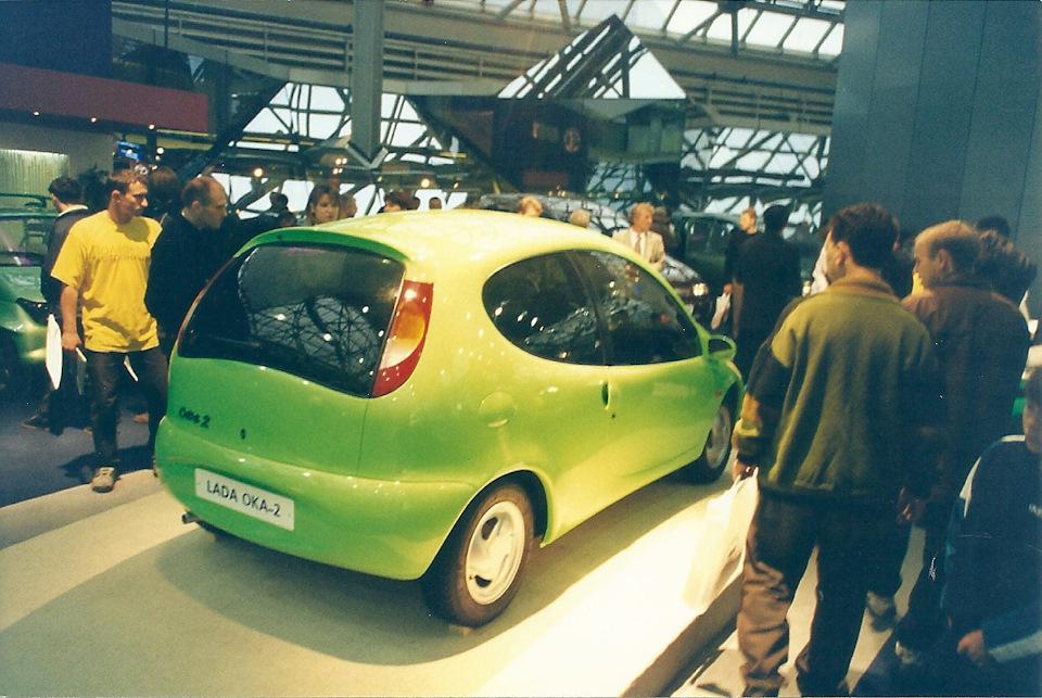 ВАЗ-2123 или новая Нива. Мелкосерийно производился в ОПП АВТОВАЗа в 1998-2002 гг. Позже был перелицо