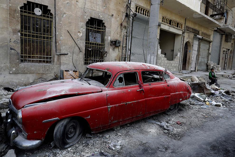 3. Когда армия выгнала мятежников и замолчали орудия, он поклялся починить все свои машины. Но