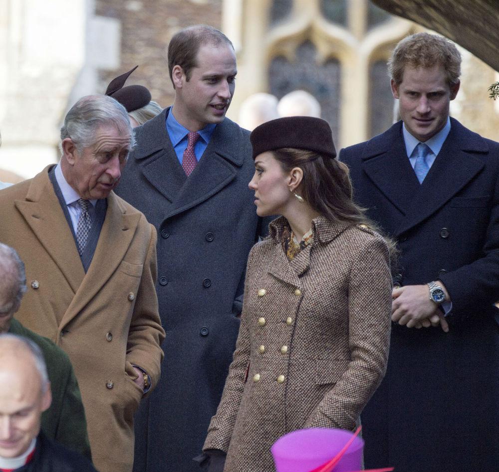 Члены королевской семьи не могут занимать политический пост По той же причине, что приведена выше, —
