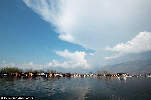 Кашмир, Индия. Младший сын полностью поддерживает мой кочевой образ жизни, а вот двое других думают,