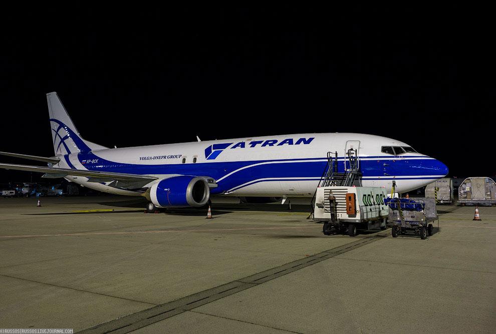 Авиакомпания специально для контракта с UPS закупила два пассажирских Boeing 737-400 и конверти