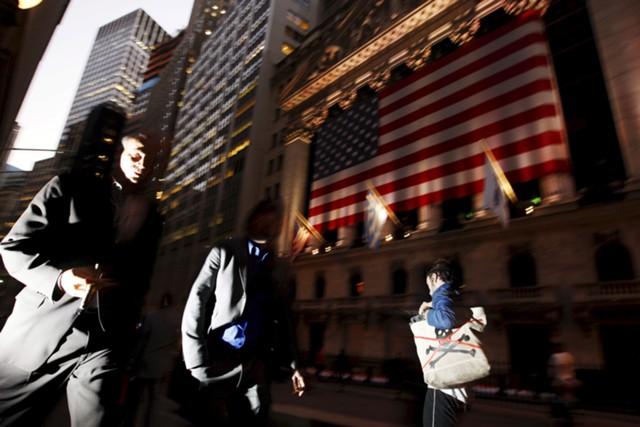 Экономика США демонстрирует рост на1,2%, бизнес-расходы падают