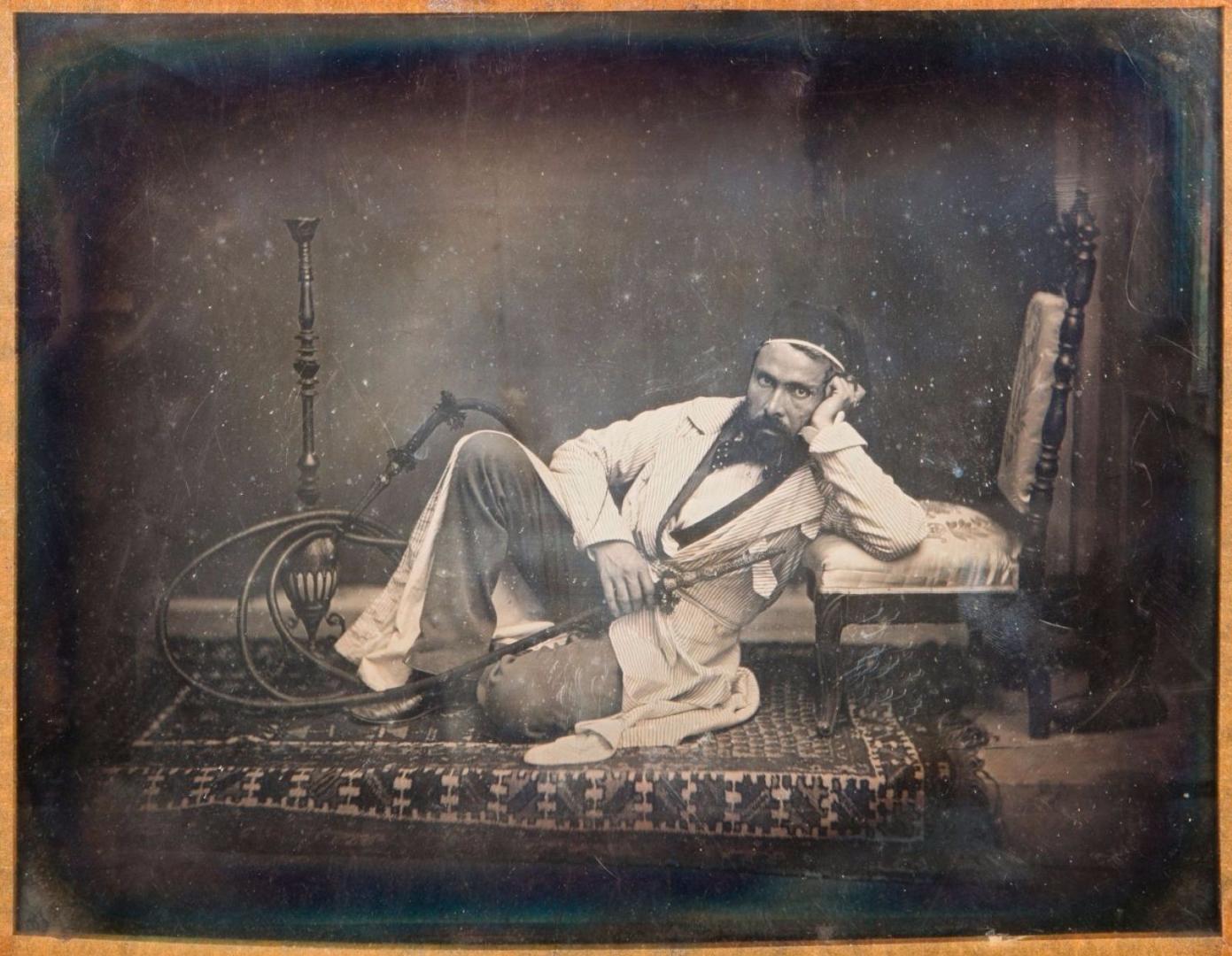 1845. Курильщик кальяна. Автопортрет в восточном стиле