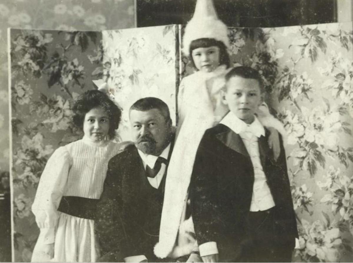 Портрет Саввы Тимофеевича Морозова с детьми