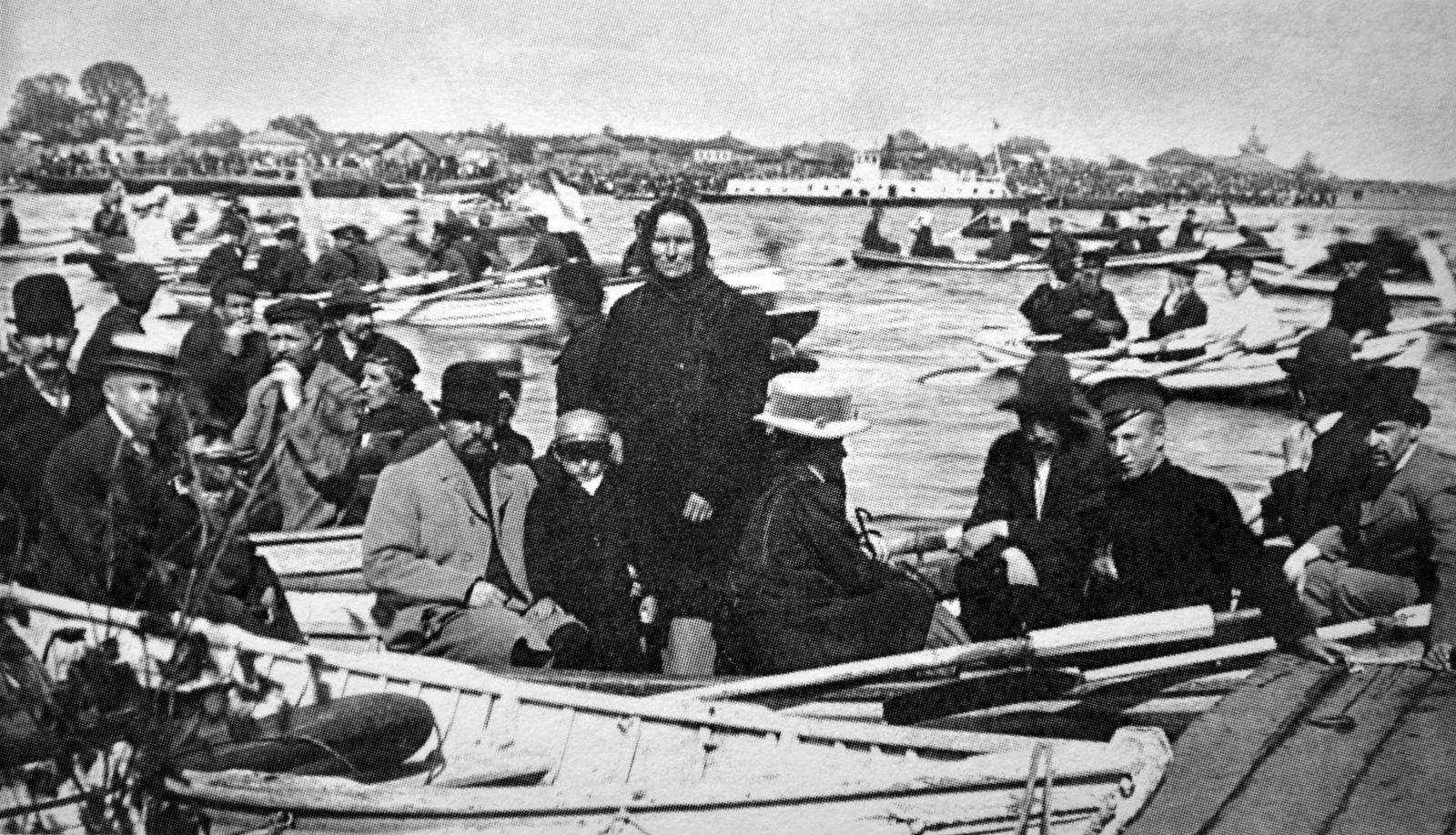 Проводы иконы Николая Чудотворца на реку Великую