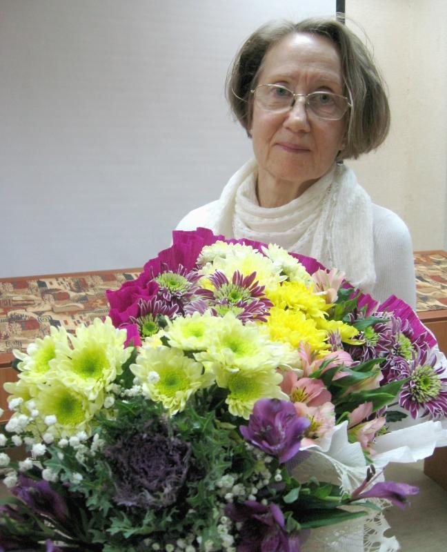 Цветы и теплые слова юбиляру.jpg