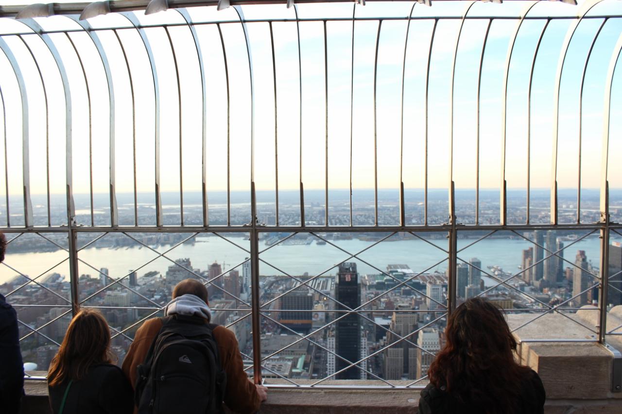 Нью-Йорк со смотровой площадки Эмпайр-стейт-билдинг (мир глазами дочери)